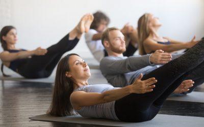Flacher Bauch, starke Muskeln dank Yoga – neue Tipps!